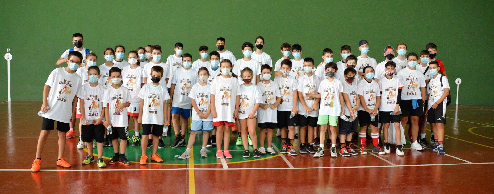 Gran participación escolar en el Challenge 3x3 de Dueñas. Foto Eldana CB