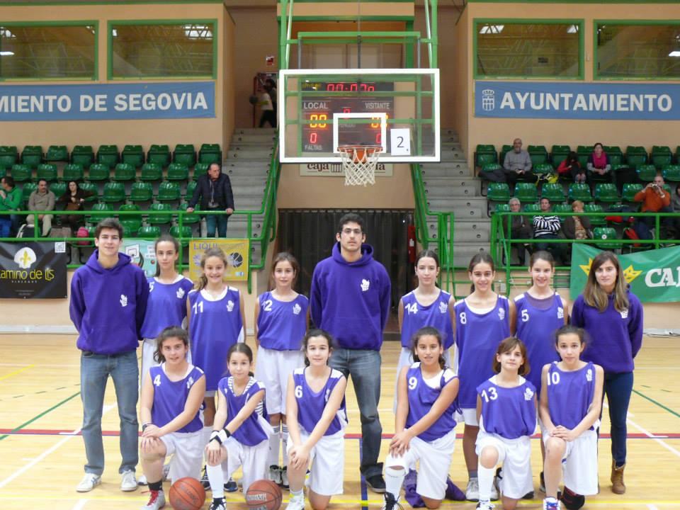 La selección femenina de Palencia en Segovia. Foto FBCYL