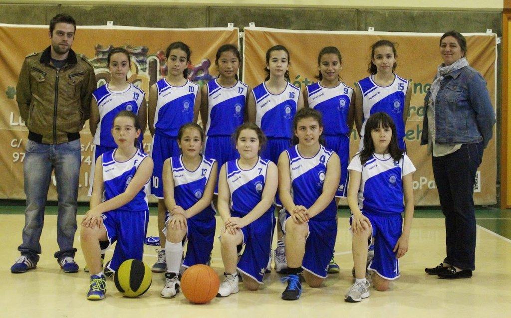 El equipo alevín femenino, campeón provincial escolar. Foto Filipenses